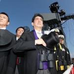 【この顔ヤバいでしょ】安倍首相が現職の総理大臣として初めてアメリカの空母に乗艦