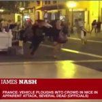 【テロの可能性】フランス南部のニースでトラックが花火の見物客に突っ込み70人以上が死亡